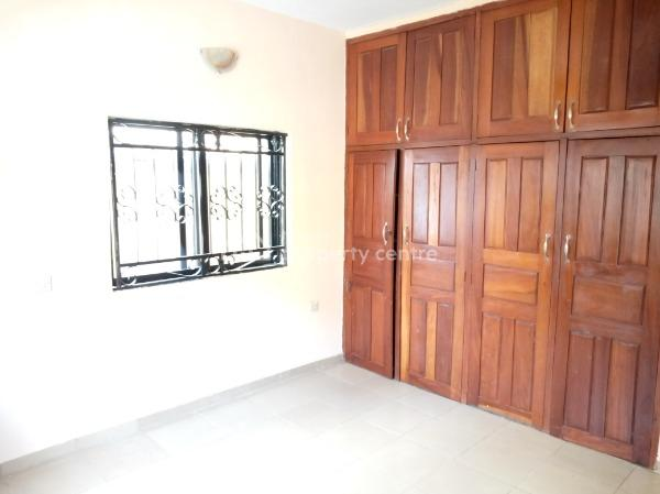 Well Self Maintained 3 Bedroom Flat, Agungi, Lekki, Lagos, Flat for Rent