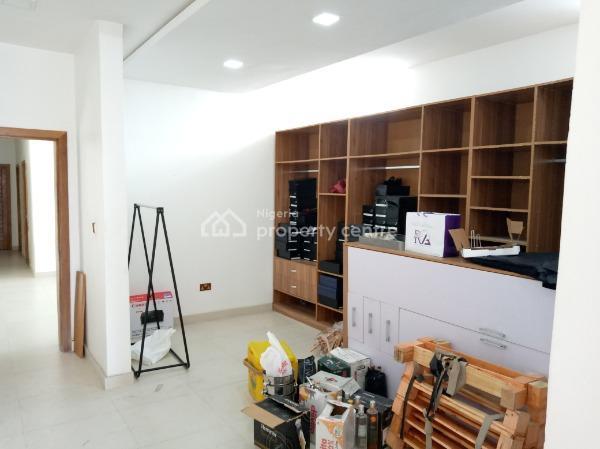 Nicely Built Shop Space, Lekki Phase 1, Lekki, Lagos, Shop for Rent