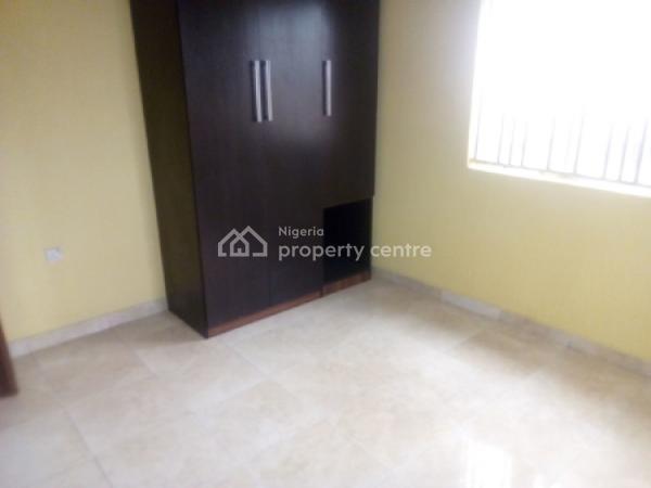 3 Bedroom Flat, Akoka, Yaba, Lagos, Flat for Rent