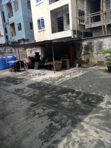 Developable Detached House with Its Appurtenances on Approximately 500sqm., Murtala Muhammed Road, Yaba., Adekunle, Yaba, Lagos, House for Sale