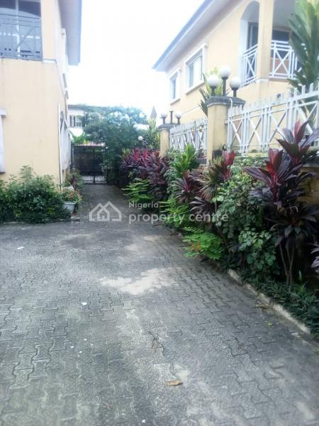 4 Bedrooms House En Suite. with One Room Bq and a Gate House, in a Serene Estate By Vgc, Lekki Expressway, Lekki Expressway, Lekki, Lagos, Semi-detached Duplex for Rent