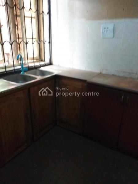Neat 3bedroom Flat, Democracy Crescent, Maplewood, Agege, Lagos, Flat for Rent