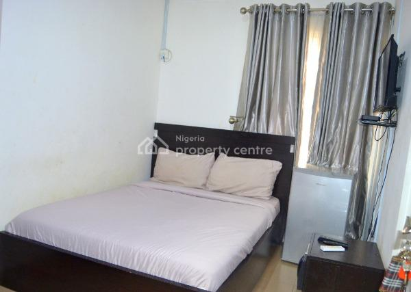 One (1) Bedroom Self Contained with Swimming Pool, Adeniyi Coker Street, Dideolu Estate, Victoria Island Extension, Victoria Island (vi), Lagos, Self Contained (single Rooms) Short Let