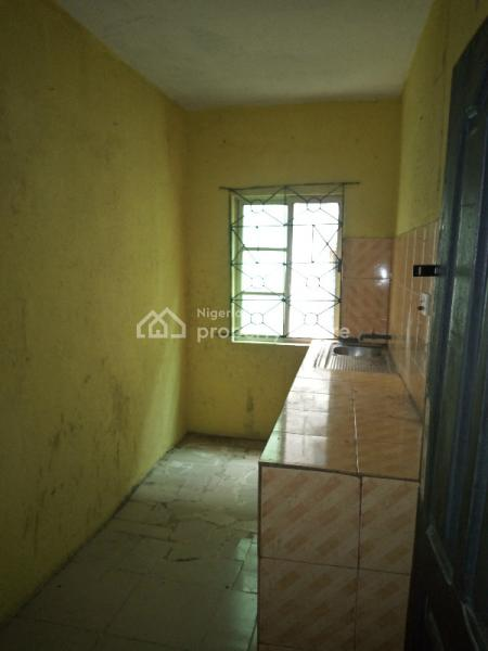 Luxury 3 Bedroom Flat with Excellent Facilities (up Stairs) 2 Toilet and Bath, Off Rosowo Street, Off Adekunle Kuye Off Adelabu, Aguda, Surulere, Lagos, Flat for Rent