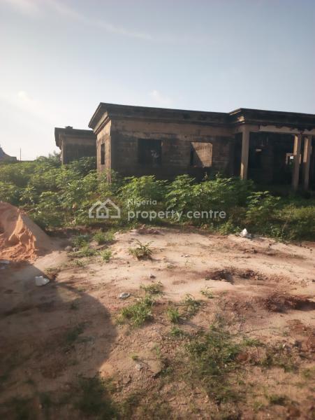 Leveled Land with Uncompleted 5 Bedroom Bungalow, Off Irhirhi Gra Benin City Edo State, Benin, Oredo, Edo, Residential Land for Sale