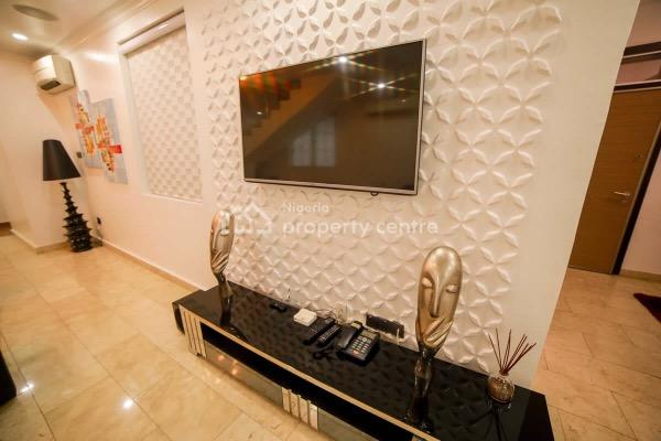 3  Bedroom Luxury Apartment with Swimming Pool and Gym, Off Admiralty Road, Lekki Phase 1, Lekki, Lagos, Flat Short Let