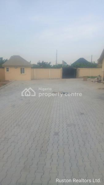 Newly Built 4 Flats, Tipper Garage Bus Stop Off Ologuneru, Ibadan, Oyo, Block of Flats for Sale