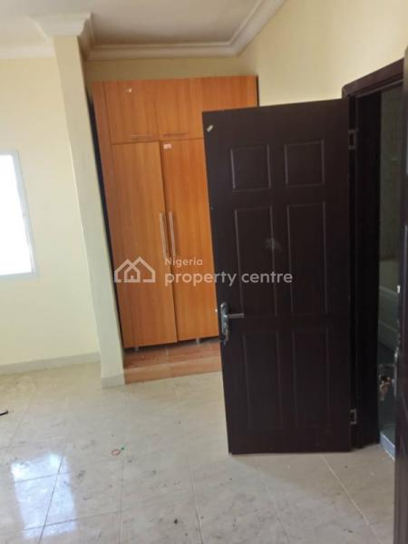 Beautiful and Lovely 2bedroom Apartment with Nice Finishings, Lafiaji, Lekki, Lagos, Flat for Rent