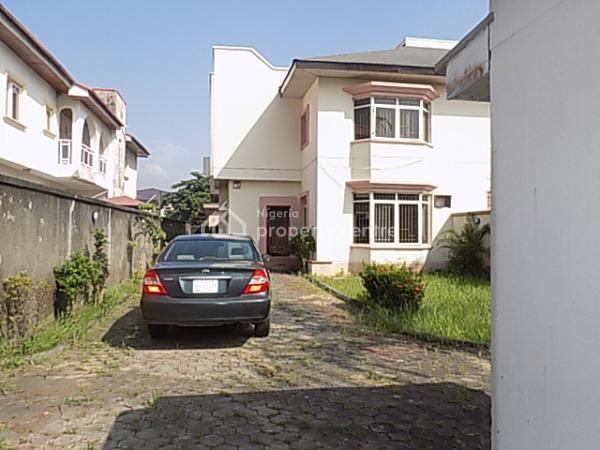 4 Bedroom Semi Detached Duplex with Bq, Spacious Kitchen, Large Parking Space for 6 Cars., Vgc, Lekki, Lagos, Semi-detached Duplex for Sale