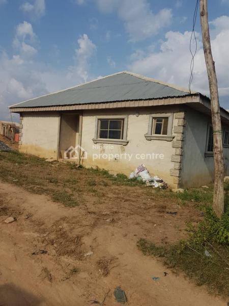 3 Bedrooms Bungalow, Kasumu South West, Ibadan, Oluyole, Oyo, Detached Bungalow for Sale