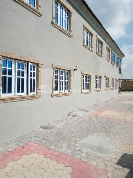 New, Exquisite and Spacious 3-bedroom Apartment in a Serene, Accessible Location, Adjacent Elenusonso Grammar School, Elenusonso, Eleyele, Ibadan, Oyo, Flat for Rent