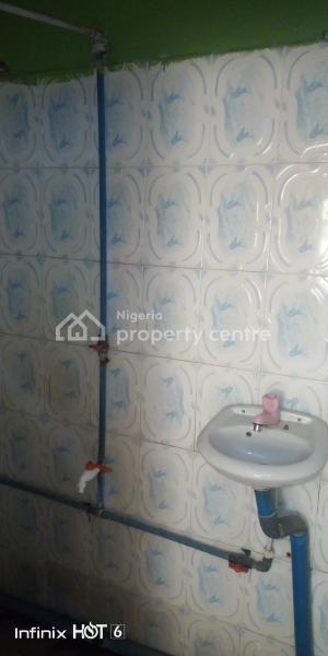 Renovated 3 Bedrooms Flat, Ifako, Gbagada, Lagos, Flat for Rent