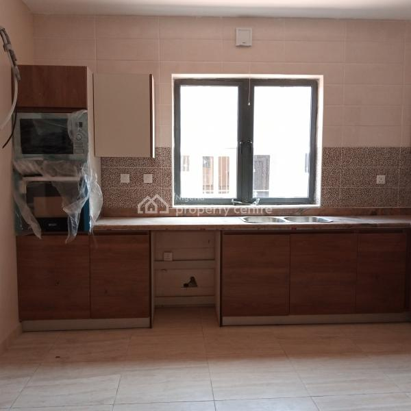 Very Spacious 3 Bedrooms Flat, Off Freedom Way, Lekki Phase 1, Lekki, Lagos, Flat for Rent