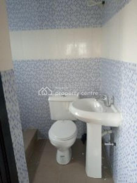 Luxury 2 Bedroom, Off Mobile Road, Ilaje, Ajah, Lagos, Flat for Rent