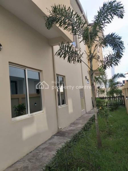 6 Bedroom Fully Detached  Duplex with Bq, Jakande, Lekki, Lagos, Detached Duplex for Sale