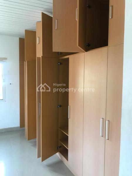Distress 4 Bedroom Duplex, Crown Estate, Ajah, Lagos, Detached Duplex for Sale