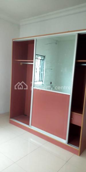 Clean 2 Bedroom Flat, Lekki Phase 1, Lekki, Lagos, Flat for Rent