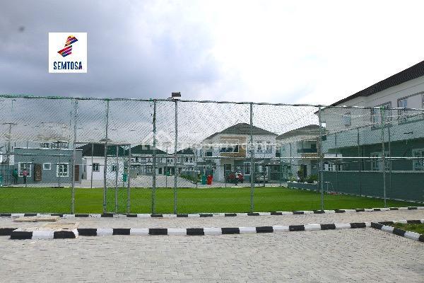 Cozy Terraced Four (4) Bedroom Duplex., Orchid Road, Lekki Expressway, Lekki, Lagos, Terraced Duplex for Sale