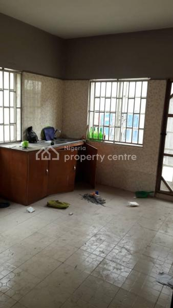 to Let: Lovely 2bedroom Flat Off Adebola Ojomu, Surulere, Aguda, Surulere, Lagos, Flat for Rent