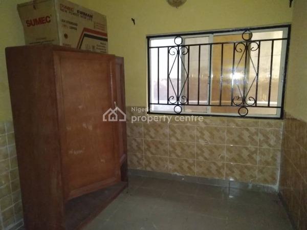 3 Bedroom Flat, Olatunji Idowu Street, Ago Palace, Isolo, Lagos, Flat for Rent