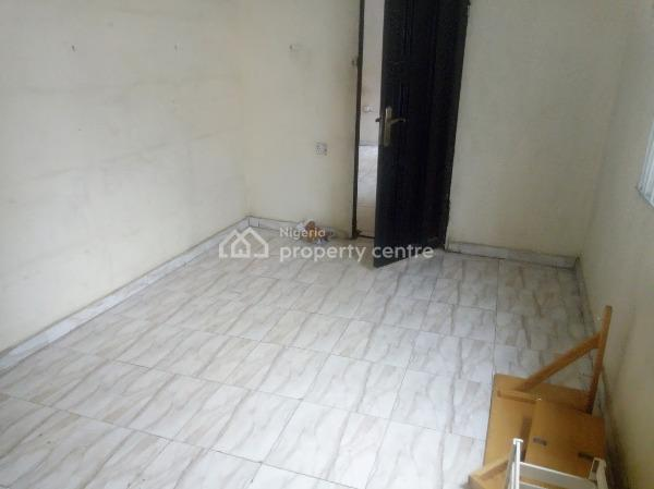 a Lovely 2 Bedroom Flat (residential/ Commercial), Queens Street, Alagomeji, Yaba, Lagos, Flat for Rent