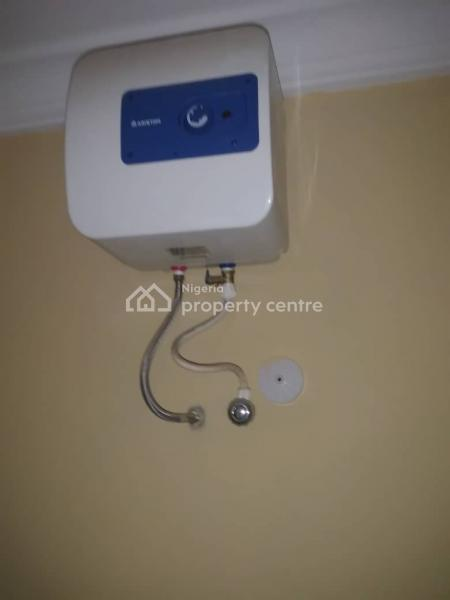 3 Bedroom Flat, Anthony, Maryland, Lagos, Flat for Rent