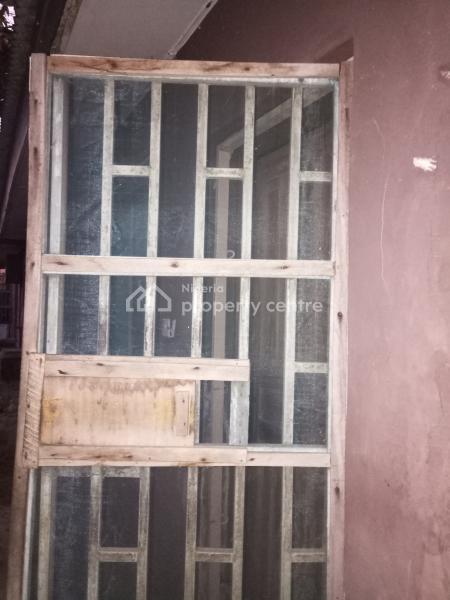 Decent 2 Bedroom, Yaba, Lagos, Flat for Rent