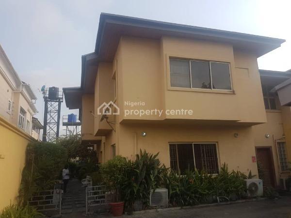 4 Bedroom with 2 Bq Semi Detached, Lekki Phase 1, Lekki, Lagos, Semi-detached Duplex for Sale