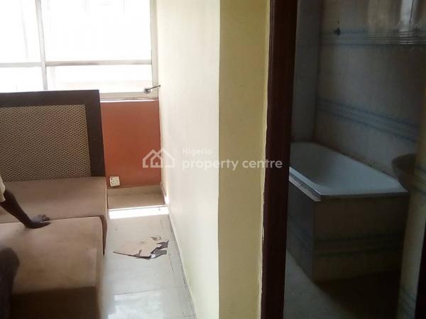 Self Contained, Eleganza Bus Stop, Chevy View Estate, Lekki, Lagos, Self Contained (single Rooms) for Rent