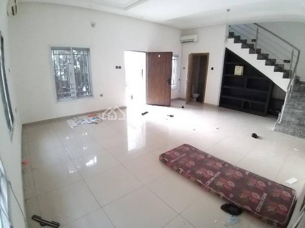 3 Bedroom Duplex, Lekki Phase 1, Lekki, Lagos, Terraced Duplex for Rent