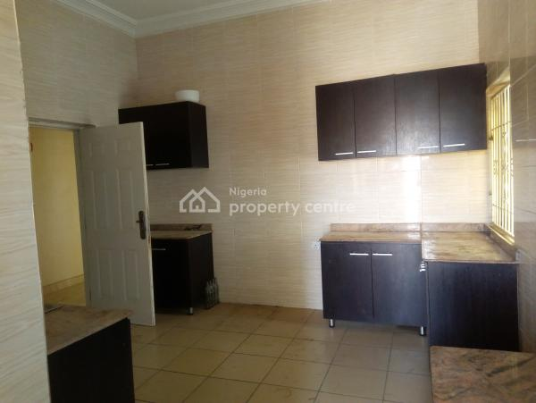 Three Bedrooms Flat with Four Toilets, Jahi, Abuja, Flat for Rent