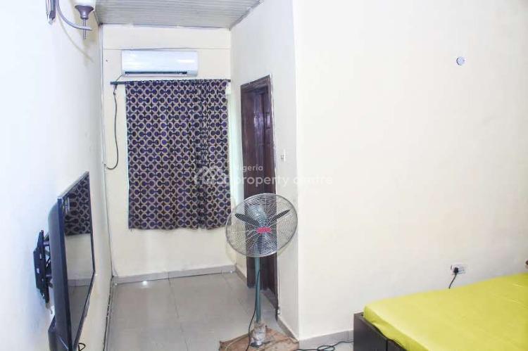 Furnished Studio Apartment - Prime (weekly), 65 Ajiran Agungi, Agungi, Lekki, Lagos, Self Contained (single Rooms) Short Let