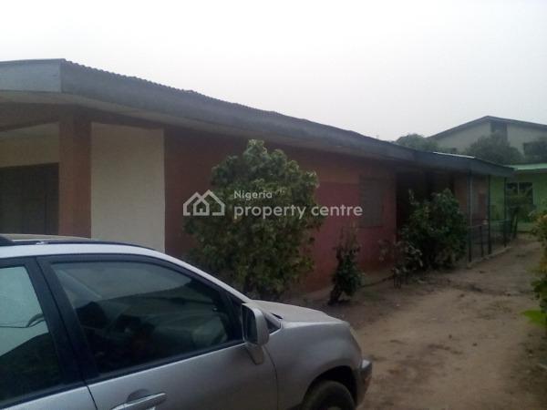 5 Decent Bedroom Flat Apartment., Ode Street Ijapo Estate., Akure, Ondo, Detached Bungalow for Rent
