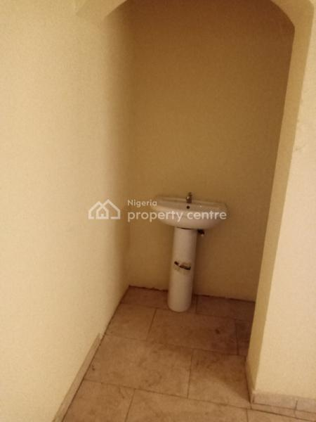 Luxury 3 Bedroom Flat with a Room Bq, Not Far From Government Secondary School Jabi, Jabi, Abuja, Flat for Rent
