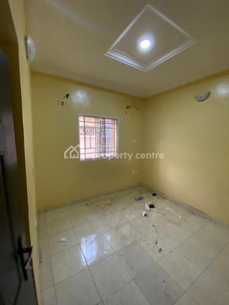 Standard 2 Bedrooms Flat, Gaeron Crescent Before Redbricks Market, Dawaki, Gwarinpa, Abuja, Mini Flat for Rent