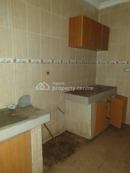 Lovely 3 Bedroom Flat, Off Brown Rd Aguda Surulere, Aguda, Surulere, Lagos, Flat for Rent
