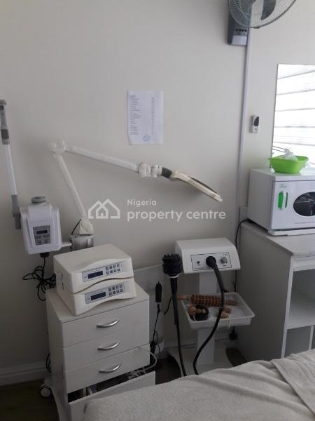 Commercial Space  for Gym, Clinic Or Salon, Lekki Phase 1, Lekki, Lagos, Office Space for Rent