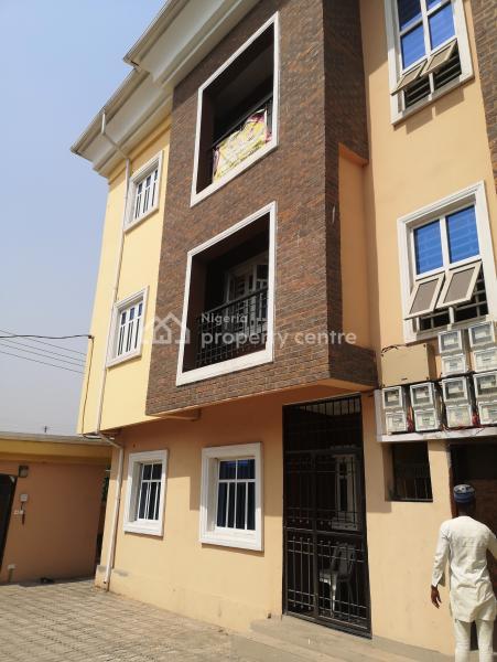 3 Bedroom Flat, Alaka, Iponri, Surulere, Lagos, Block of Flats for Sale