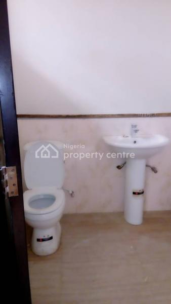Self Compound 2 Bedrooms Flat, Medina, Gbagada, Lagos, Flat for Rent