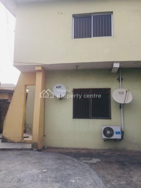 Very Spacious 3 Bedroom Flat, Adeniyi Jones, Ikeja, Lagos, Flat for Rent