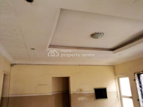 Short Stay Building, Felele Street Ibadan,facing The Road., Ibadan, Oyo, Hotel / Guest House for Sale