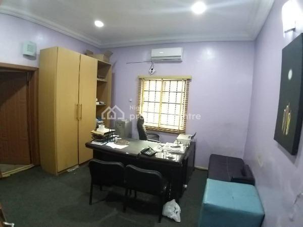 Lovely Commercial 3 Bedroom Flat, B, Lekki Phase 1, Lekki, Lagos, Office Space for Rent
