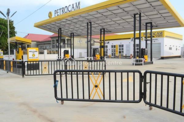 Shop and Office Space, Petrocam Gas Station, Along Lagos Road, Epe, Lagos, Shop for Rent