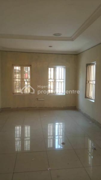 Clean 3 Bedrooms Flat, Magodo Gra Phase 1,isheri, Gra, Magodo, Lagos, Flat for Rent