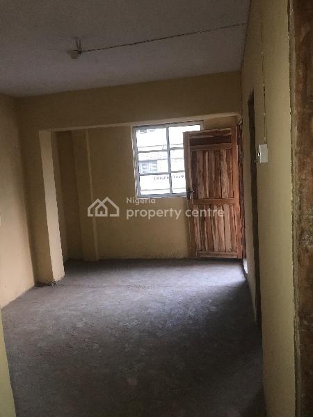 2 Bedroom Flat, Palm Church Street, Ebute Metta West, Yaba, Lagos, Flat for Rent