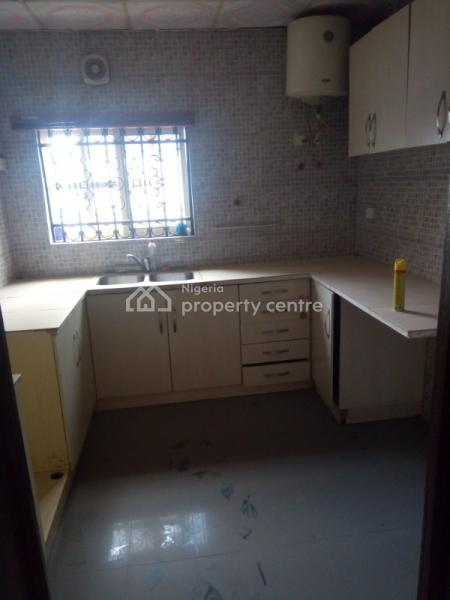 2 Bedroom Flat Upper Floor with Electricity, General Ogumodia Street, Lekki Phase 1, Lekki, Lagos, Flat for Rent