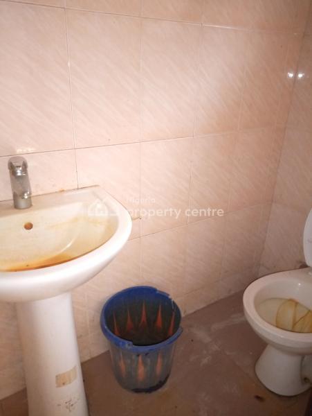 2bedroom Flat, Badore Road Bakery, Badore, Ajah, Lagos, Flat for Rent