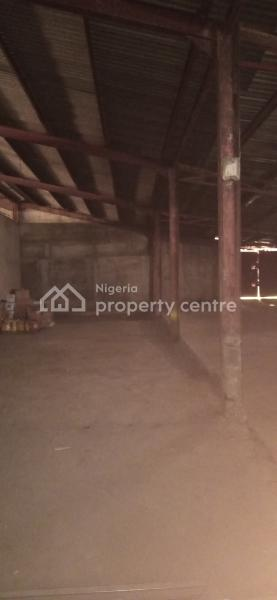Nice 2250sqft Warehouse, Eric Moore, Surulere, Lagos, Warehouse for Rent