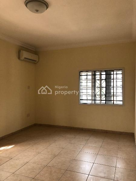 2bedroom Service Flat, Off The Palace Road, Oniru, Victoria Island (vi), Lagos, Flat for Rent