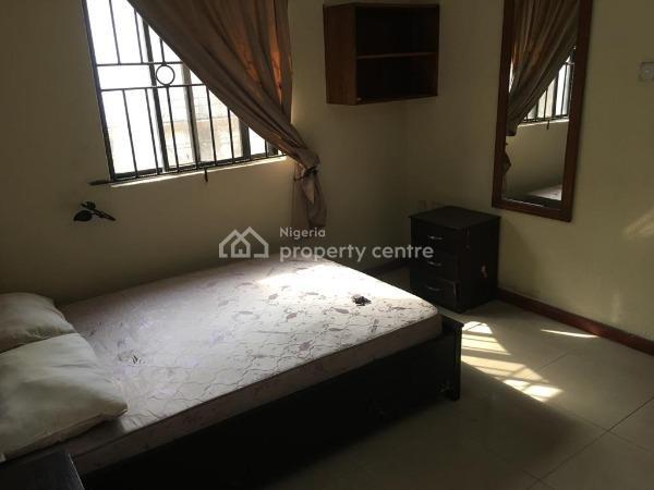 a Lovely Mini Flat, Olanrewaju Estate, Yaba, Lagos, Mini Flat for Rent
